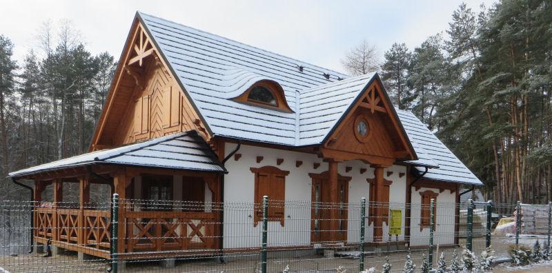 W którym banku najlepiej jest wziąć kredyt na budowę domu? Sprawdzamy kredyty hipoteczne na 300.000 zł przy 350.000 zł wartości domu rozłożone na 30 lat.